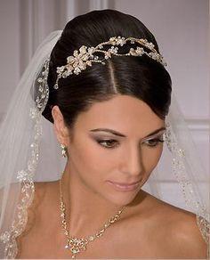 bridal tiara with veil