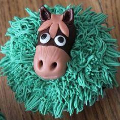 Barnyard Horse Cupcake