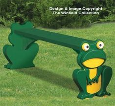 Frog Bench Wood Plans Take a rest on this sturdy bench held by two very strong frogs! #diy #woodcraftpatterns