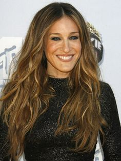 Sarah Jessica Parker will always be a hair icon to us, whether her look is curly or straight.