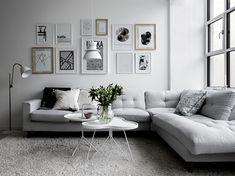 Minimalist living room is completely important for your home. Because in the living room all the events will starts in your lovely home. locatethe elegance and crisp straight Minimalist Living Room Table. investigate more on our site. Modern Minimalist Living Room, Elegant Living Room, Minimalist Home Decor, Living Room Grey, Living Room Interior, Living Room Decor, Modern Living, Minimalist Kitchen, Minimalist Bedroom