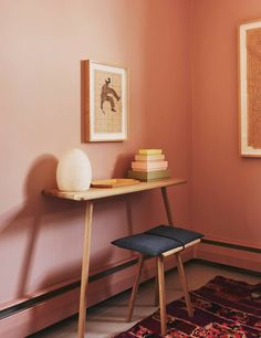 """Subtle pinks, Pale Oak - Odessa Pink by Benjamin Moore.  """"personal attraction 2 pink comes from Mexico. It's considered a neutral; makes everyone look good.""""  -Go monochromatic. keep walls matte, adding sheen to trim that's painted one shade darker.  color subtly shifts in certain lights.""""  -Play w tonal texture. walls match linen bedding. -   Make it all seasons. """"spring + summer, pair pink w flax to play up pastel tones. fall, mixing pink w rust, mustard, + peacock makes it totally…"""