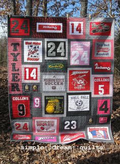 graduation gift quilt college dorm quilt memory quilt Source by Look t-shirt Jersey Quilt, Quilting Projects, Quilting Designs, Sewing Projects, Quilting Ideas, Sewing Crafts, Diy Projects, T-shirt Quilts, Baby Quilts
