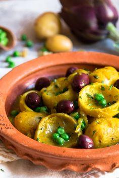 Artichoke Tagine with Peas, Baby Potatoes and Preserved Lemon (vegan) — My Moroccan Food Morrocan Food, Moroccan Dishes, Moroccan Recipes, Vegetarian Recipes, Cooking Recipes, Healthy Recipes, Vegetarian Tagine, Healthy Eats, Tagine Cooking