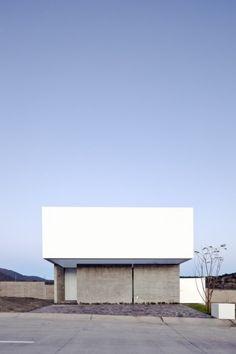 Name: House to See the Sky Designer: Abraham Cota Paredes Arquitectos Location: Zapopan, Mexico Year: 2014