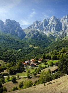Tanarrio, Cantabria. Macizo oriental de los picos de Europa.