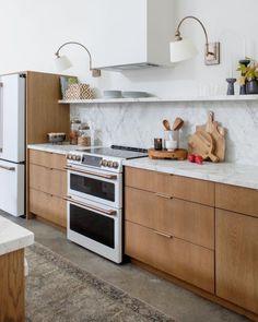 Hottest design trends 2021 and 2022   Amanda Gates Feng Shui White Kitchen Appliances, Kitchen Cabinetry, Kitchen Flooring, Timber Kitchen, Cabinets, New Kitchen, Kitchen Decor, White Cafe, White Sideboard