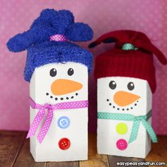Christmas crafts for kids! Christmas is fast approaching and kids would be very excited. Kids wait all the year so that enjoy Christmas time. Adult Crafts, Toddler Crafts, Diy Crafts For Kids, Crafts To Sell, Arts And Crafts, Christmas Crafts For Kids, Simple Christmas, Christmas Time, Christmas Gifts