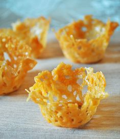 Parmesan Cups Make for Simple Apps. Step-by-step instructions for no-fail parmesan cups. They make appetizers look fancy shmanzy. Parmesan Chips, Cheese Baskets, Elegant Appetizers, Cuisine Diverse, Appetisers, Canapes, Gordon Ramsay, Appetizer Recipes, Party Appetizers
