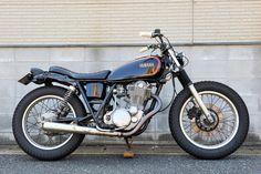 LAMP CYCLE / YAMAHA SR400 / No.142: The SR Times Yamaha Sr400, Yamaha Motorcycles, Cars And Motorcycles, Rum Rum, Sr 500, Bsa Motorcycle, 50cc, Cafe Racers, Bobber