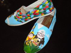 I'm so in love with all these custom TOMS