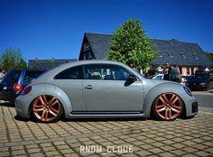 #vw #vwlife #vwlove #vwtrip #vwfamily #vwmafia #vwrussia #newbeetle #new_beetle #vwbeetle #beetle #beetleturbo #thebeetle #fusca #novofusca… Volkswagon Van, Car Volkswagen, Vw Bugs, Vw Beetles, 21st Century, Planes, Trains, Audi, Layouts
