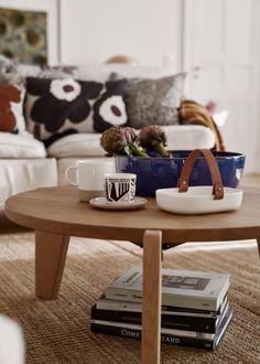 Marimekko photo Living Room Sofa, Living Room Interior, Living Rooms, Interior Decorating, Interior Design, Decorating Ideas, Cabin Interiors, Nature Decor, Nordic Design