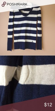 American Eagle Blue and White Striped Sweater In good condition, just some pilling in places American Eagle Outfitters Sweaters Crew & Scoop Necks