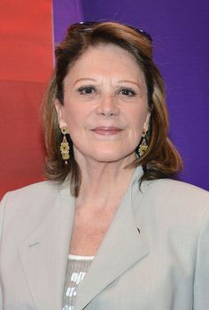 Tony Award winning actress Linda Lavin turns 76 today...she was born 10-15 in 1937. Many got to know her first on the TV hit sit-com Alice..later she was on Barney Miller and currently she is  back on TV on the new Sean Hays show.