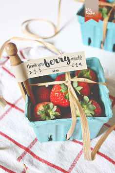 DIY Berry Basket Wedding Favor with FREE Gift Tag