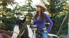 """""""Dyyyyylaaaan!"""" Even on The Dude Ranch, Gloria rides in style! #ModernFamily"""