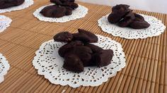 Mini chocolatina negra con almendras