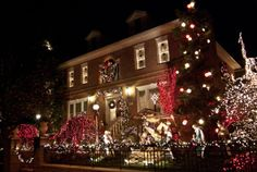 Christmas Lights and Cannoli Tour | Location TBA | Seasonal traditions | Time Out New York