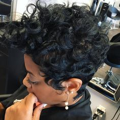 From The Beauty Chair #thecutlife #voiceofhair #essencemag #pixie #hairstylist #shorthair #texture #khimandi