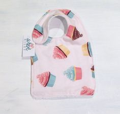 Cupcake Baby Girl Infant Feeding Drool Bib 1st Birthday Bib