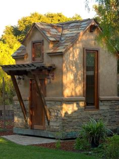 Traditional Stucco And Stone Design, Pictures, Remodel, Decor and Ideas - page 2