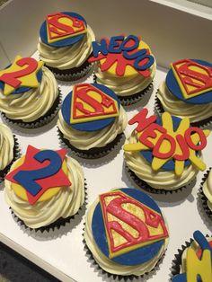 Superman Cupcakes, Superman Party, Superman Logo, Superhero Cake, Superhero Birthday Party, Birthday Cake, Creme Egg Cake, Native American Cake, Supergirl