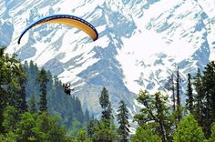 You cannot miss out these amazing places to visit in Himachal Pradesh in winters while you are planning a trip to the Himalayas along with your loved ones. Best Places To Travel, Places To See, Honeymoon Tour Packages, Beach Haven, Adventure Activities, Paragliding, Worldwide Travel, Tourist Places, Tour Operator