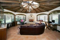 BEAUTIFUL HACIENDA ON NEARLY 5 ACRES  |  Nicasio, CA  |  Luxury Portfolio International Member - Frank Howard Allen Realtors