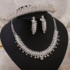 New jewelry necklace bride wedding jewelry three-piece wedding accessories wholesale pearl jewelry Pearl Necklace Wedding, Gold Wedding Jewelry, Rhinestone Jewelry, Pearl Jewelry, Gemstone Jewelry, Jewelry Necklaces, Wholesale Jewelry, 30, Wedding Accessories