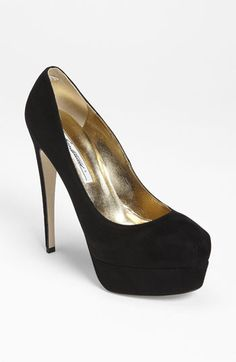 classic black pump - I have these in sz 8. great boudoir shoe