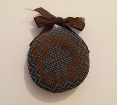 VINTAGE BROWN & BLUE BEAD PIN CUSHION WITH BOW SEWING PINS NEEDLES  £17