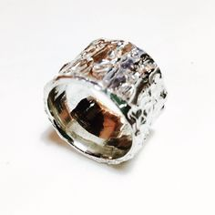 15mm silver textured ring.