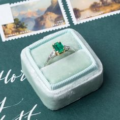 Sweet vintage emerald engagement ring <3