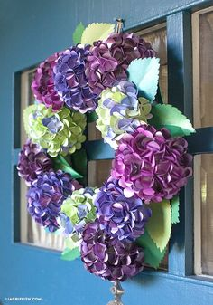 Make A DIY Paper Hydrangea Wreath for Fall. Tutorial and pattern @LiaGriffith.com #diy #papercraft #paperflower