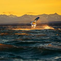Free riding in to the sunset. FabiWeber pic by Christoph Jorda. #addictedtoride
