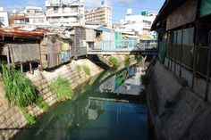 Naha Okinawa  那覇市内の農連公設市場は映画「涙そうそう(長澤まさみ・妻夫木聡)」の舞台