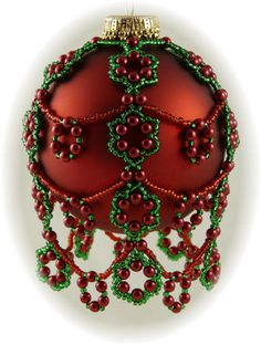 Christmas Berries Ornament Cover Pattern - I have a green cover that completely covers the clear ornament that my sister made for me. Love it!!!