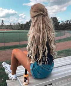 54 Cute and easy long hairstyles for school for fall and winter - Flechtfrisuren - braided Hair - Haare - Easy Hairstyles For Long Hair, Spring Hairstyles, Hairstyles For School, Braided Hairstyles, Hairstyle Ideas, Fashion Hairstyles, College Hairstyles, Christmas Hairstyles, Popular Hairstyles