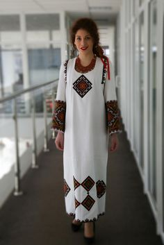 Украина, от Ирины – U K R A I N I A N embroidery , National outfits and lt's elements 2 Ethnic Fashion, Hijab Fashion, Fashion Dresses, Womens Fashion, Traditional Fashion, Traditional Dresses, Ukrainian Dress, Embroidered Clothes, Designer Dresses