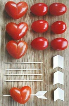 Dukningstips till Alla-Hjärtans-Dag (Trendenser) – Cook It Valentine's Day Food Valentines Day Food, Valentines Dinner Recipes, Valentine Hearts, Cute Food, Yummy Food, Snacks Für Party, Tapas Party, Party Appetizers, Party Desserts