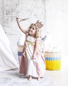 #decoracioninfantil #kidsroom #kidsdecor #cuartodeniños #kids #niños #belandsoph #kidsbedroom #nordicstyle #estilonordico #stars #estrella #pink #sweet #cojinestrella #cojinesconforma #vestirlacama #ropadecama #muñeca #miniroom #mostaza #cajondejuguetes #juguetero #estrellaluminosa #playroom #cuartodejugar #cuartodejuegos #tipi #tipiindio #tepee #tienda #tiendadeindios #tiendadecampaña #indio #guirnaldadeplumas #cojinesparaniños #banderines #banderinesparaniños #indios #juegodeniños…