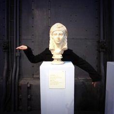 @BM_AG #MuseumSelfie #MuseumWeek I'm Cleopatra :) #walklikeanegyptian pic.twitter.com/OIxsvJmnoO