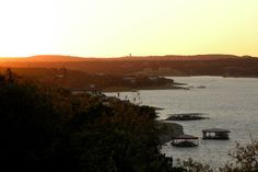 Iguana Grill on Lake Travis in Austin, Texas, was named one of the World's Best Restaurants for Sunsets by The Daily Meal! Beyond being the live music capital of the world, did you know that Austin is also called the sunset capital of Texas? Iguana Grill overlooks the impressive Lake Travis spotted with the white sails of local boat enthusiasts. Get the large Mexican rum punch or house margarita and don't miss the chili con queso and black drum fish tacos beneath the great big Texas sky.