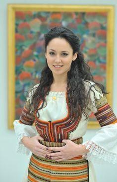 Българка Bulgarian Beauty :)