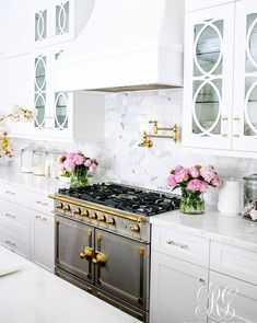 Kitchen Interior Design Tips for Caring for your Marble Counter Tops - How to Clean Marble - Tips for Caring for your Marble Counter Tops - How to Clean Marble - keep your marble counter tops looking sparkly and clean Küchen Design, Layout Design, Design Ideas, Design Styles, Door Design, Interior Design Kitchen, Kitchen Decor, Kitchen Stove, Kitchen Ideas