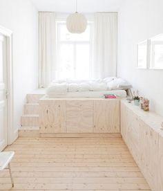 Niveauspring i normal højde. Skal gulvet i stuen sænkes eller skal køkkenet hæves?