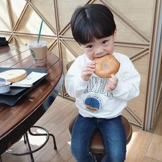 Instagram media by jhanuul - 와구와구   #fashion #boy #kid