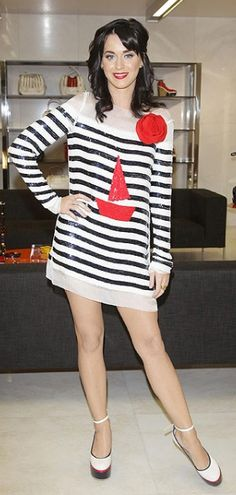 We love this nautical look that Katy Perry is wearing! #missmatchsd