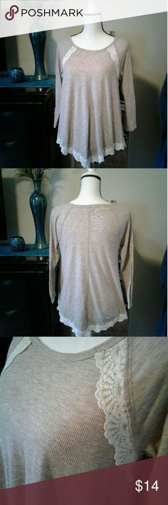 "Lace trim Hollister top Women's like new tan Hollister long sleeve top with white lace trim, Beautiful!! Size medium. Measurements Chest 18"" length 25"" sleeve 16"". Thanks for looking Bundle to save!! Hollister Tops Blouses"